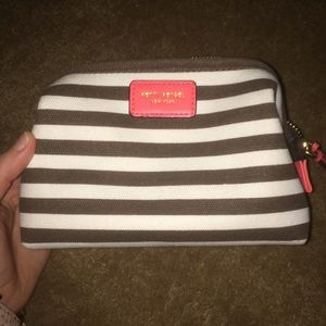 henri Bendel small cosmetic case